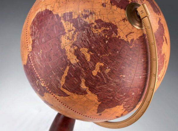 Gea floor globe - studio photo
