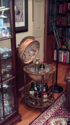 Mobile Minerva floor globe drinks cabinet - product photo - classic color - customer photo2