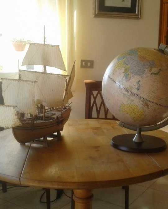 James Cook educational desk globe - customer photo