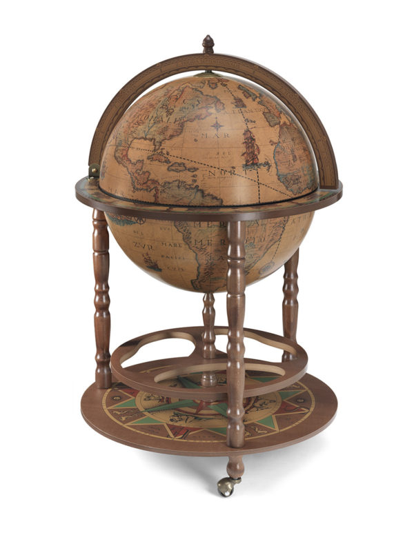 Image of the closed classic color Calipso large floor globe bar